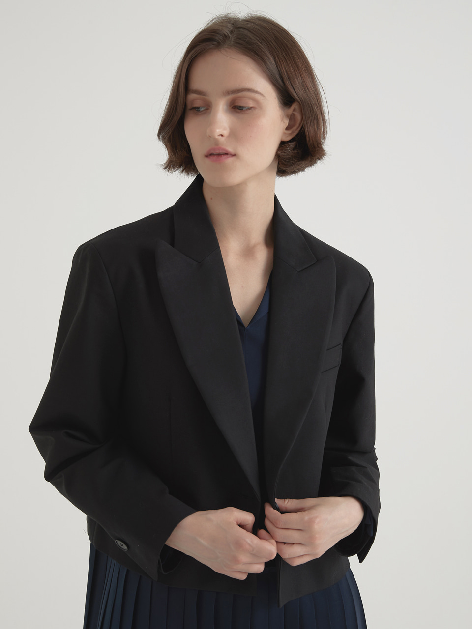 Peaked short jacket - Black