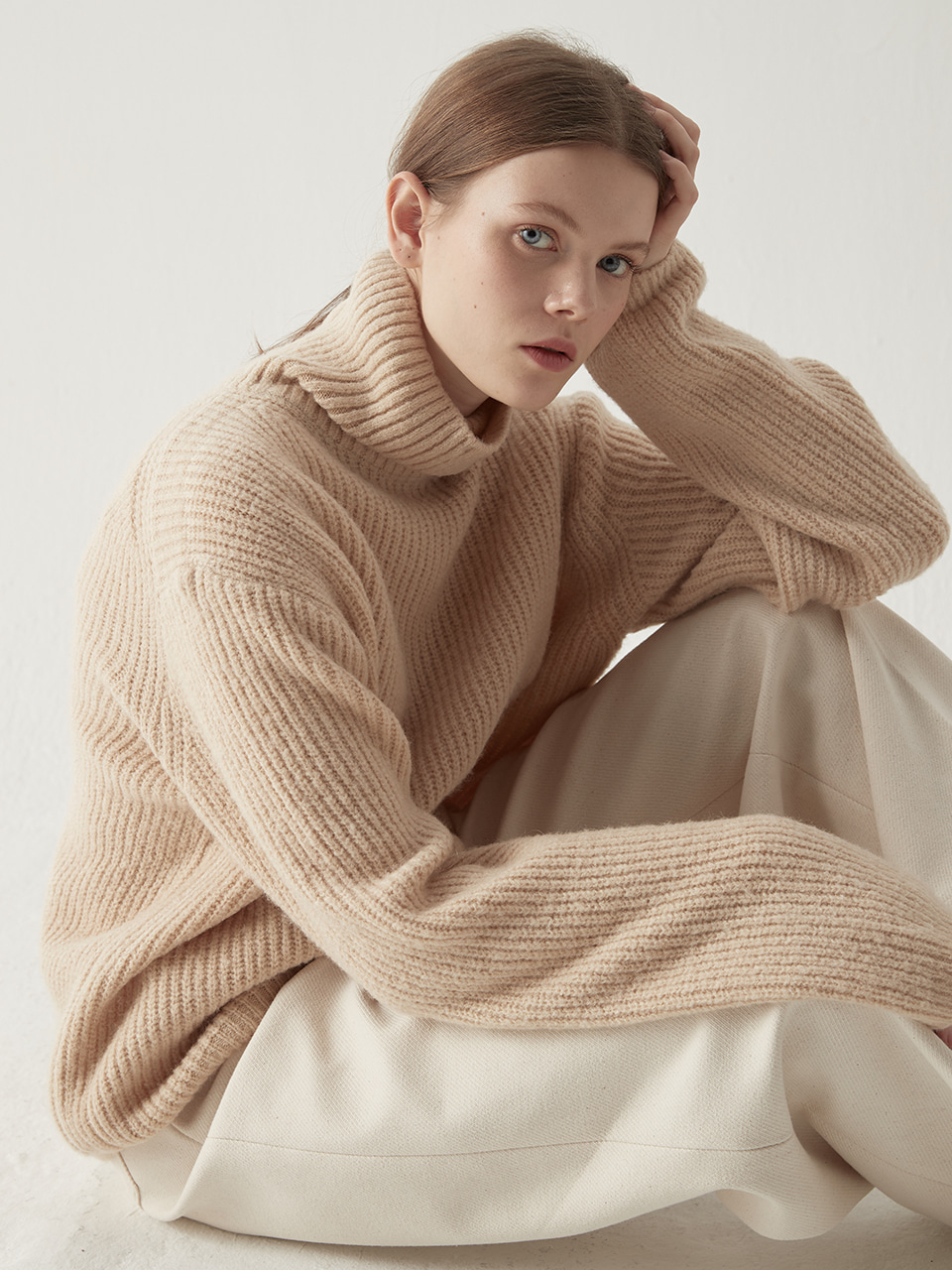 Alpaca turtleneck sweater - Light beige