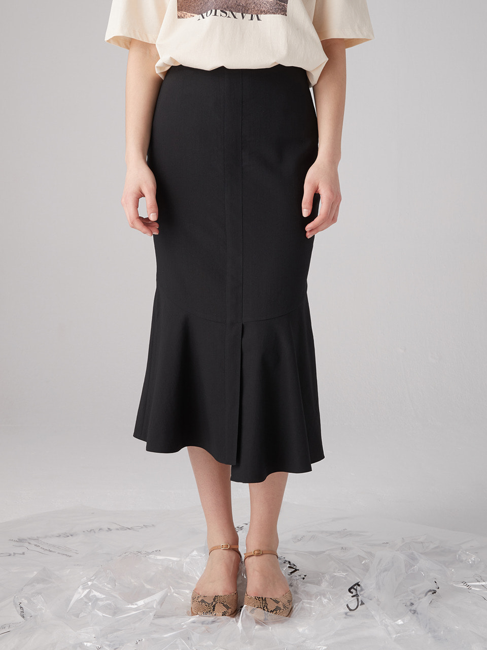Asymmetry mermaid skirt - Black