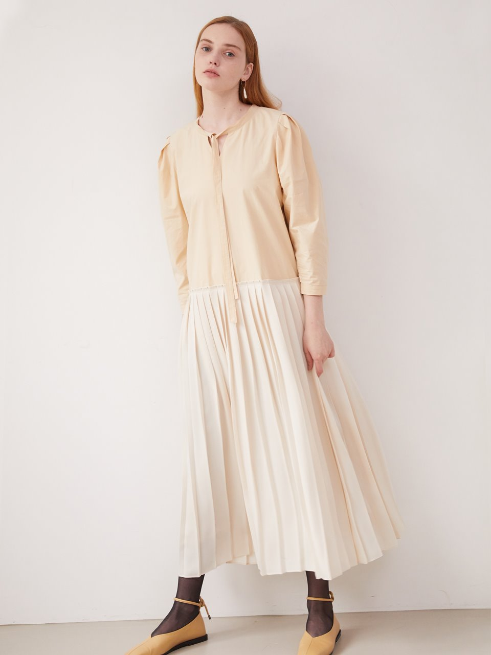 Volume sleeve pleats dress - Nude beige