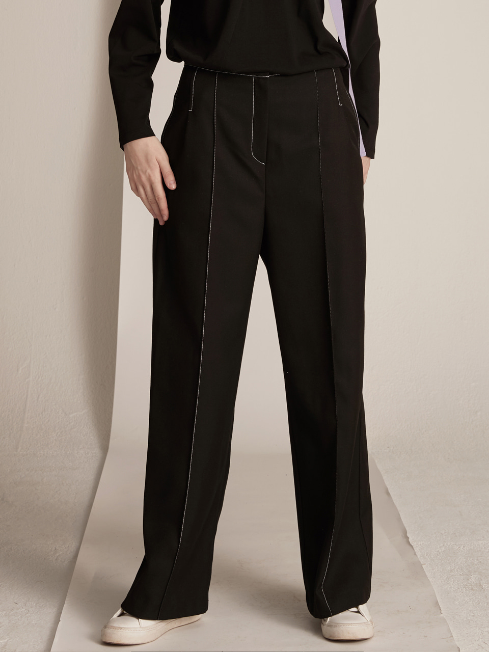 Pin-tuck Stitched Pants - Black
