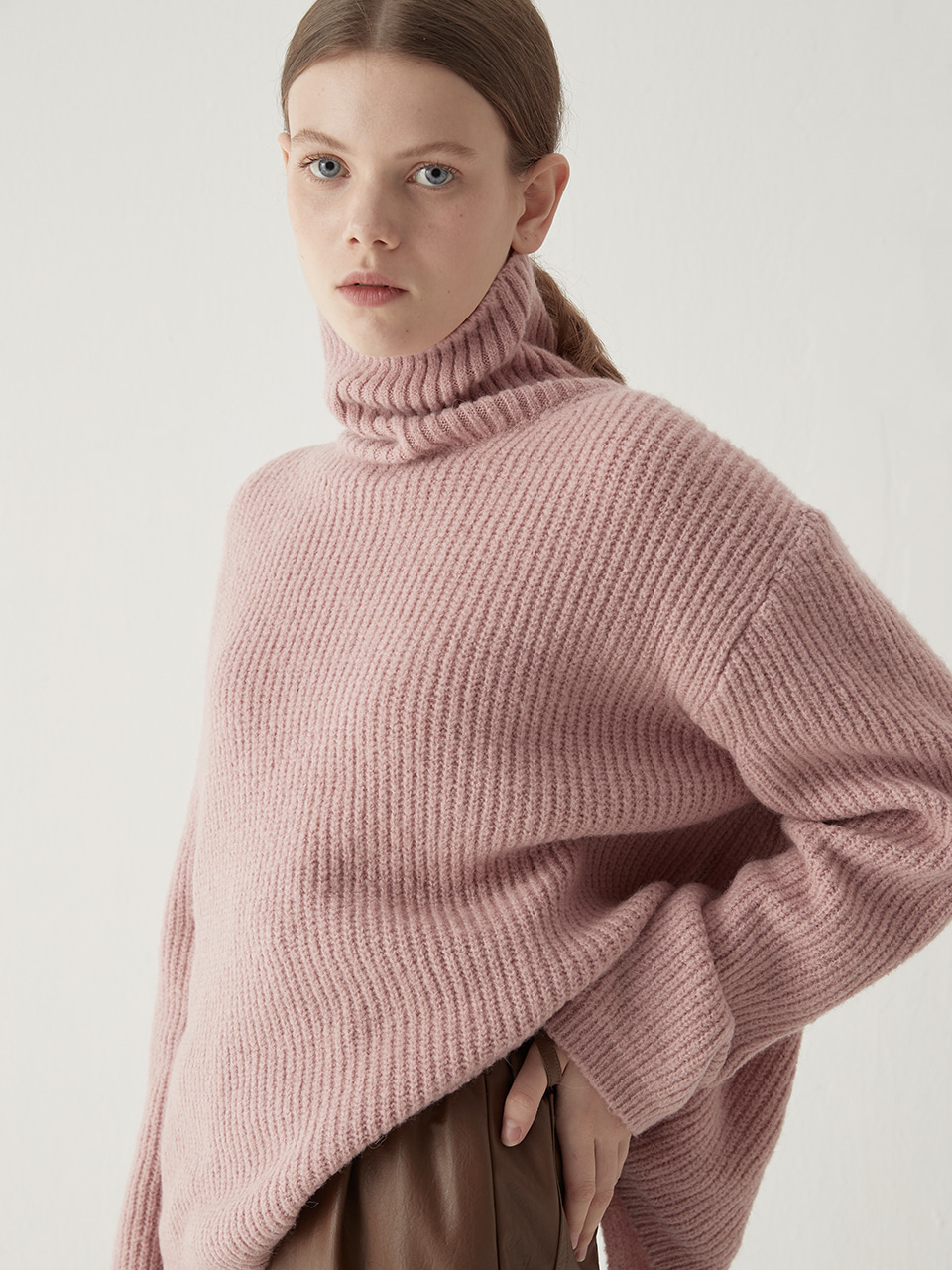 Alpaca turtleneck sweater - Dusty pink