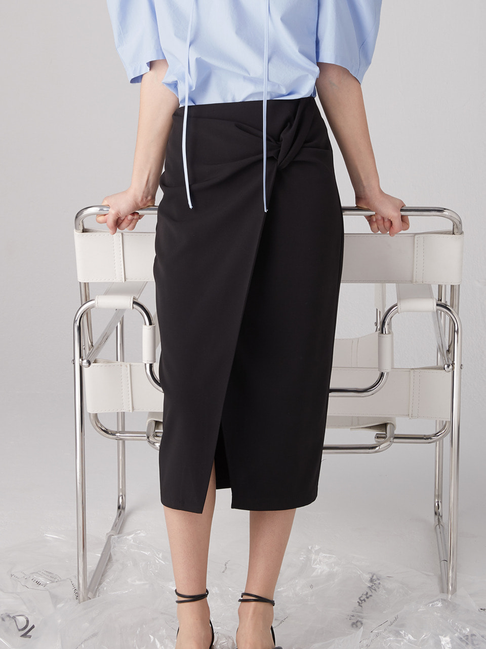 Knotted wrap skirt - Black